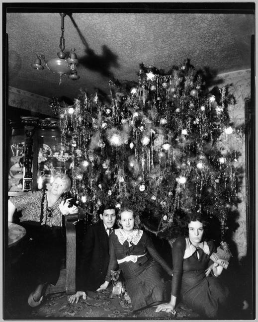 MC9269-B Hendrickson's Christmas Tree